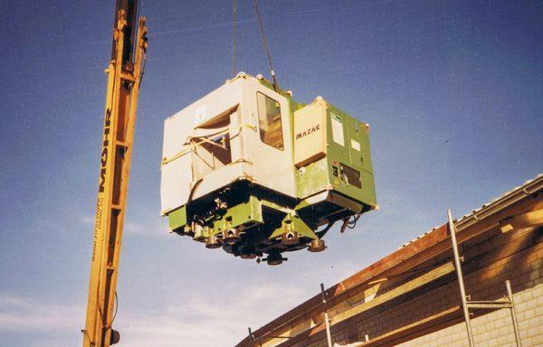 Das erste CNC Bearbeitungszentrum bei Heckel Präzisionsteile